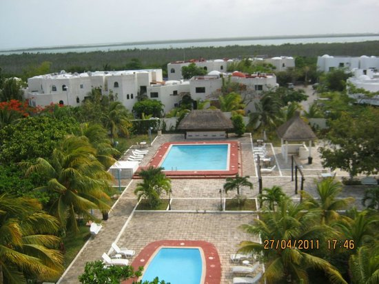 Calypso Hotel: 2 Piscina