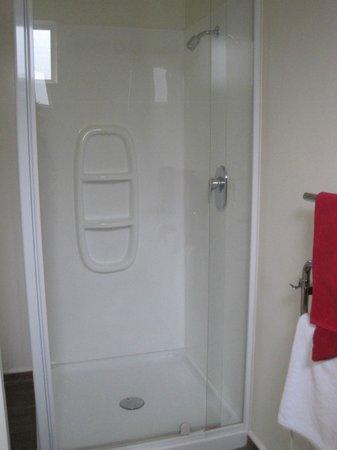 City Centre Motel: Shower