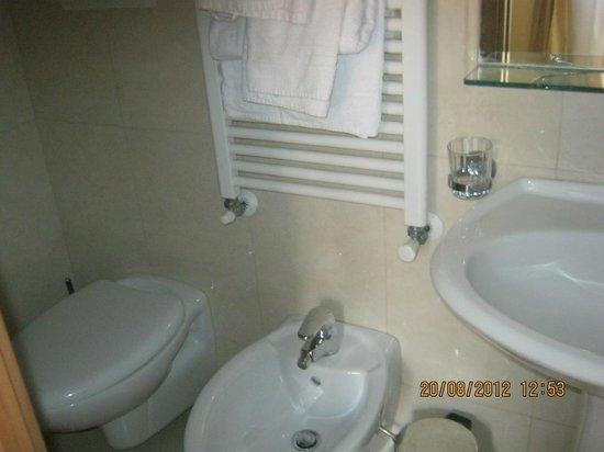 Hotel Náutico: Baño
