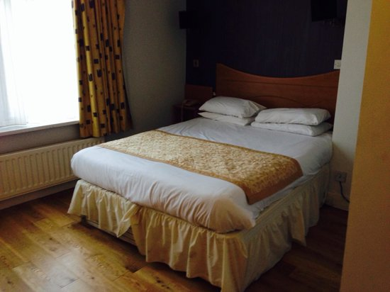 Whites Hotel: Very nice