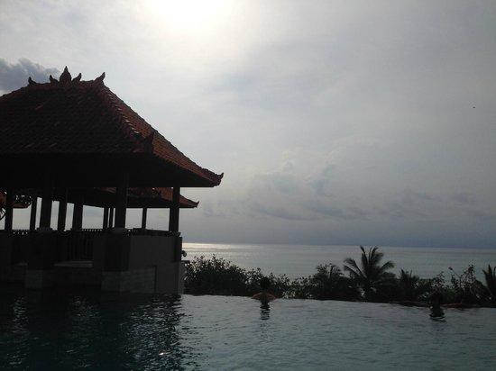 Mercure Kuta Bali: beautiful sunset from the pool