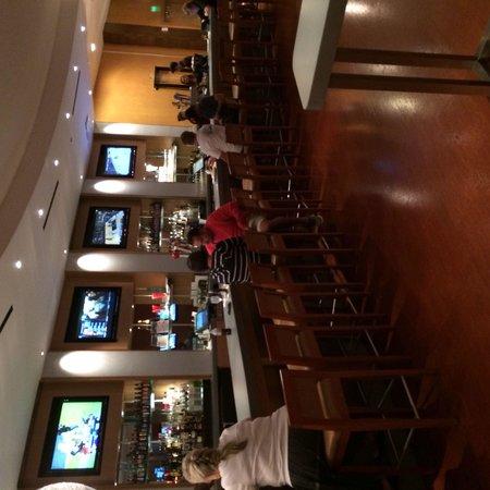 Hilton Orlando : David's Club bar area.