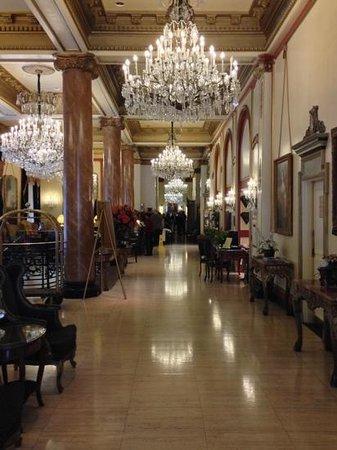 Le Pavillon Hotel: lobby