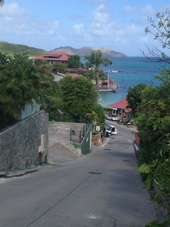 Hotel LeVillage St Barth: Street leading down from hotel to St Jean center