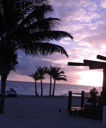 Excellence Playa Mujeres: Sunrise on the beach