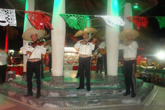 Club Med Cancun Yucatan: Mexican Night Mariachi Band