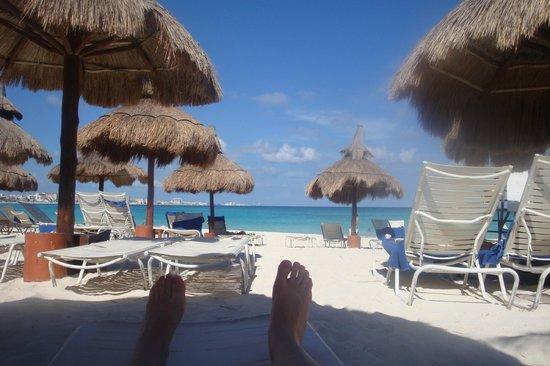 Club Med Cancun Yucatan: View of the main beach