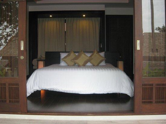 Bhundhari Chaweng Beach Resort: Супер-кровать