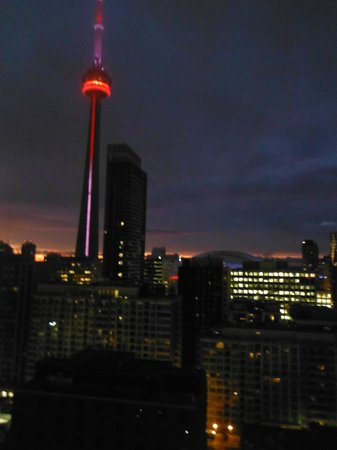 Hyatt Regency Toronto: View from our room on the 19th floor. That is the CN Tower lit up at night!!!