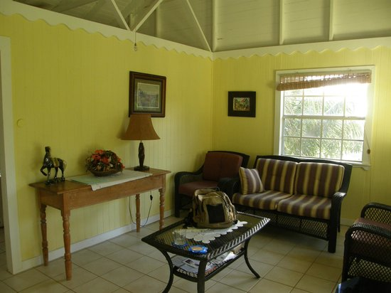 Epping Forest Bed & Breakfast : Cottage living room