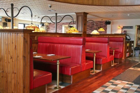 Moesgrill magherafelt: The downstairs restaurant (Boothes)