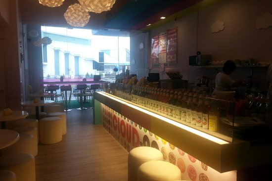 Cloud-99 Ice Cream Cafe: Chill out at Cloud-99 on a hot day