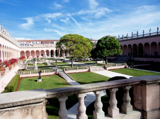 The Ringling : The Plaza