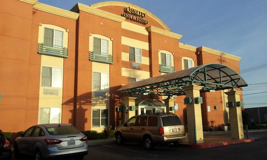Quality Inn & Suites -- South San Francisco: Hotel Front