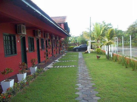 Pousada Avo Isaura: Habitaciones exteriores, con salida individuales y aire acondicionado.