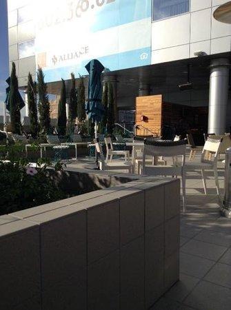 Kimpton Hotel Palomar Phoenix: 3rd floor rooftop bar area