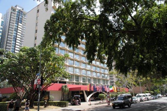 Royal On The Park: Hotel vom Park aus gesehen