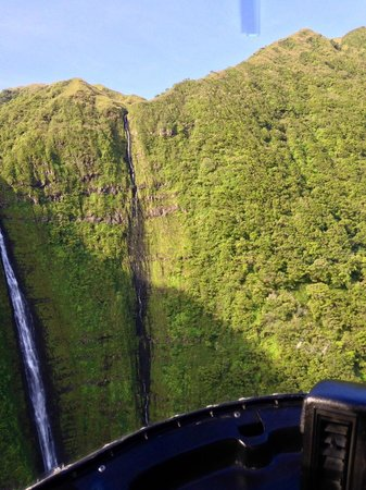 Sunshine Helicopters Maui: Waterfalls