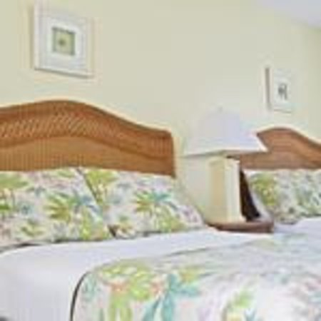 Sea Spray Inn: Studio Room/2 Queen Beds