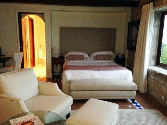 Chateau de la Chevre d'Or: Bedroom