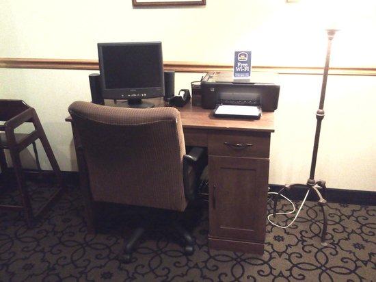 Quality Inn & Suites University : Free Wifi