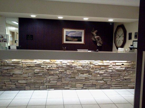 Quality Inn & Suites University : Front desk