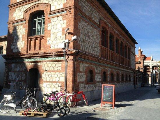 Mobeo Smart Transport: Fachada de Sede Principal de Mobeo en Matadero Madrid