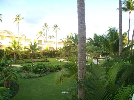 Secrets Royal Beach Punta Cana: View of the grounds