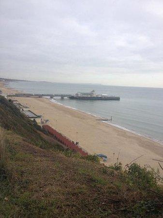 Bournemouth Highcliff Marriott Hotel: beach view