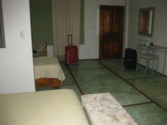 Hotel Plaza Yara : Habitacion