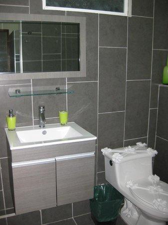 Hotel Plaza Yara : Baño