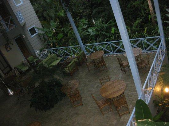 Hotel Plaza Yara: Vistas balcon zona desayuno