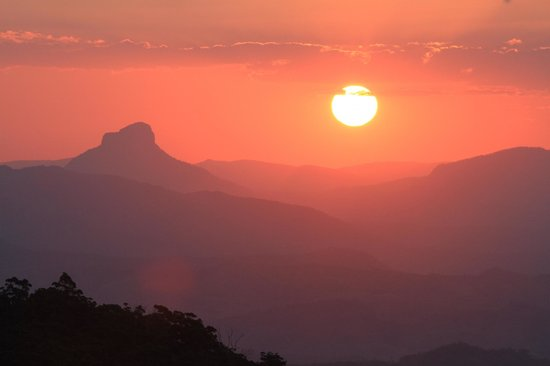 O'Reilly's Rainforest Retreat, Mountain Villas and Lost World Spa: Traumhafter Sonnenuntergang-Ausblick vom O´Reillys
