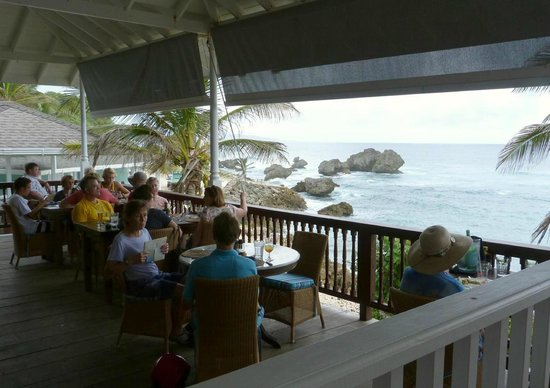 Atlantis Restaurant: View from restaurant down to Bathsheba rocks