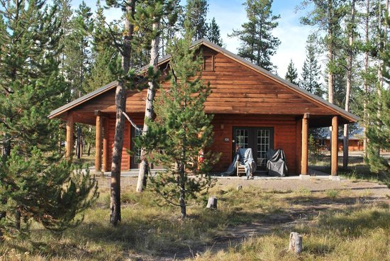 Headwaters Lodge & Cabins at Flagg Ranch: cabin 434