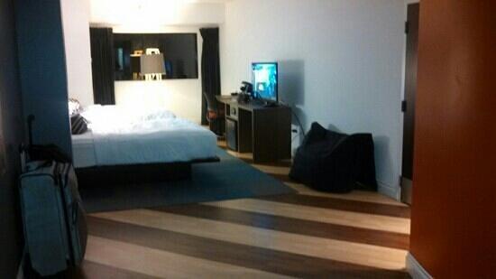 """Aloft Nashville West End : Aloft's """"Double Queen"""" room. Nice floors"""