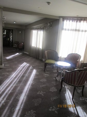 North Star Hotel: sitting area - one of many