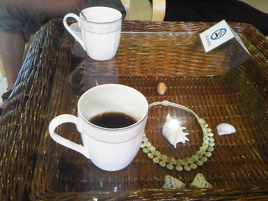 DW Motel: コーヒーとテーブル