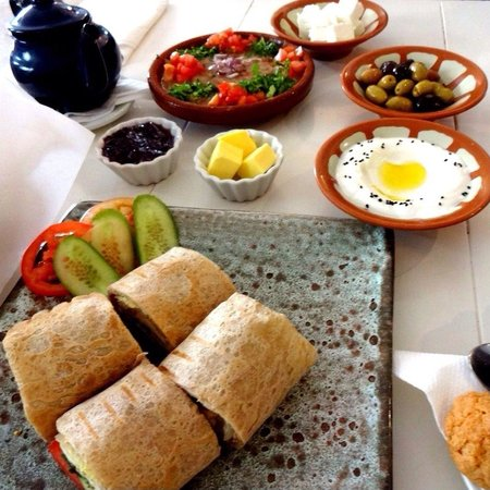 Cafe Arabia: Our delicious breakfast