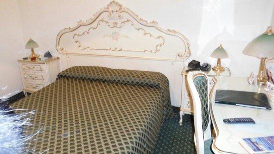 Hotel Commercio & Pellegrino: La nostra camera