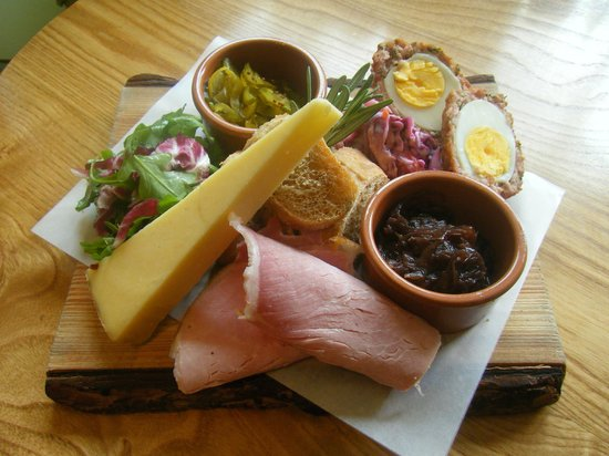 Dish Deli & Kitchen: Ploughmans Lunch!