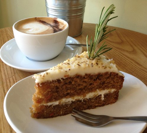 Dish Deli & Kitchen: Carrot Cake and a cappucino...