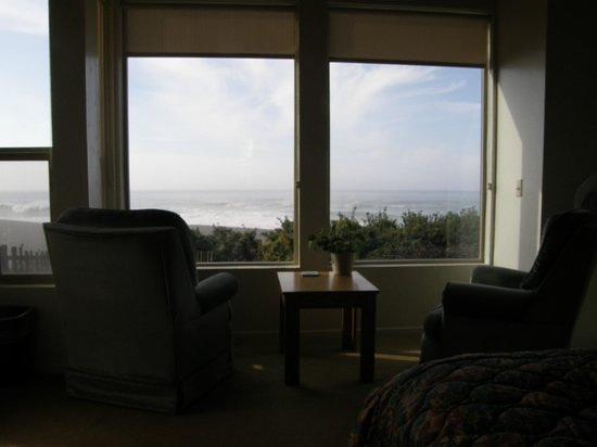 Seacliff on the Bluff: Picture window view