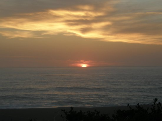 Seacliff Motel on the Bluff: Beautiful sunsets, too!