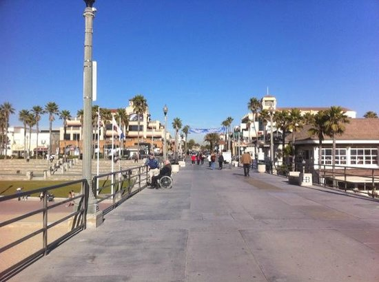 Downtown Huntington Beach: View of Downtown from the Pier