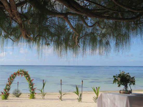 Etu Moana: Wedding on the beach