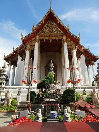 Wat Suthat - Picture of Wat Suthat, Bangkok - TripAdvisor