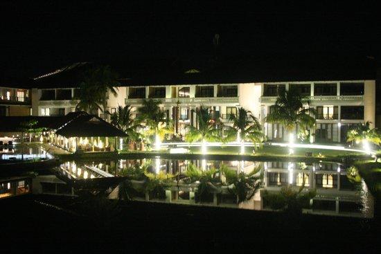 Vasundhara Sarovar Premiere: The beautifully lit hotel in the evening