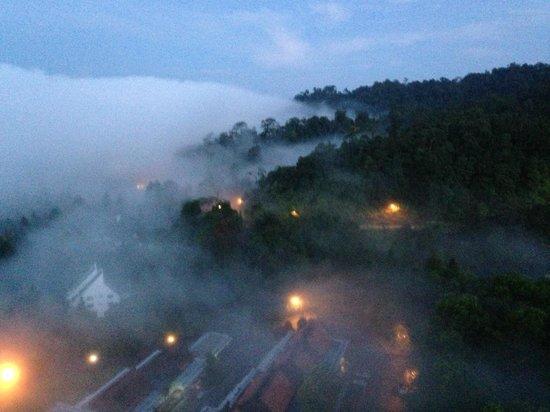 Awana Hotel: Вид из окна на рассвете