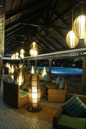 Vasundhara Sarovar Premiere: Poolside Cafe